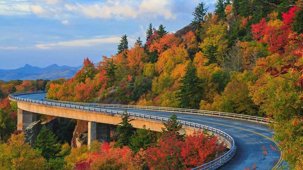 Linn Cove Viaduct, North Carolina
